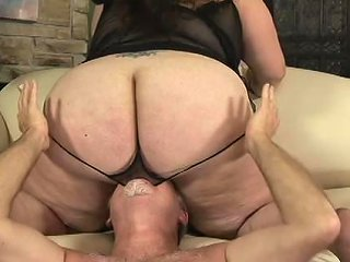 Amateur Brunette Bbw Loves Using Her Huge Ass To Smoother Any Porn