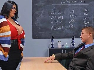 Fat Mature Sofia Rose Seduces Her Kinky Boss And Rides Him